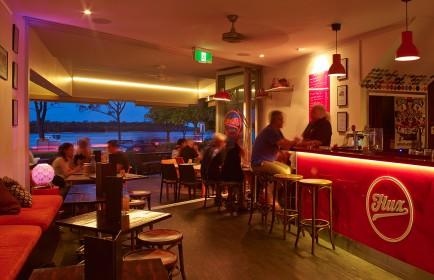 Flux Lounge - Noosa River Outlook