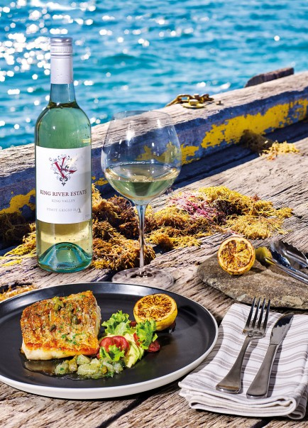 King River Estate Pinot Grigio 2016 with Crispy Skin Barramundi Fillet