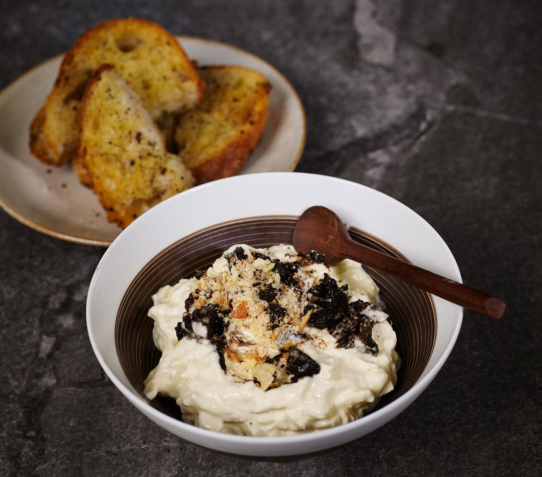 Stracciatella, black garlic, brioche crumb